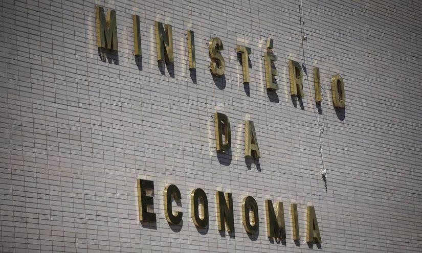 Governo revisa para 0,8% crescimento da economia em 2019