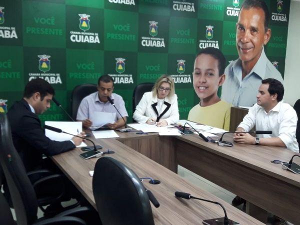 CCJR emite parecer favorável a projeto que trata sobre os vencimentos do prefeito