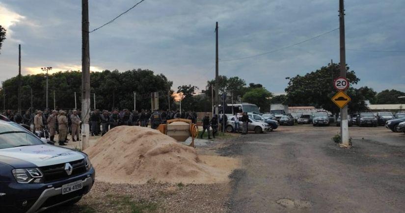 Reintegração de posse acontece em Cuiabá e muitas famílias devem ser retiradas de residencial