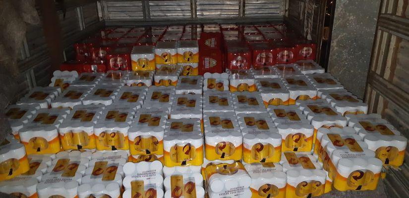 Carregamento de cerveja avaliado em R$ 16 mil é recuperado e PM prende suspeito