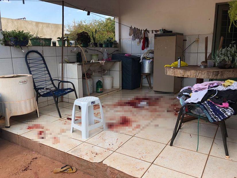 Assaltante morre e outro fica ferido em troca de tiros com a PM