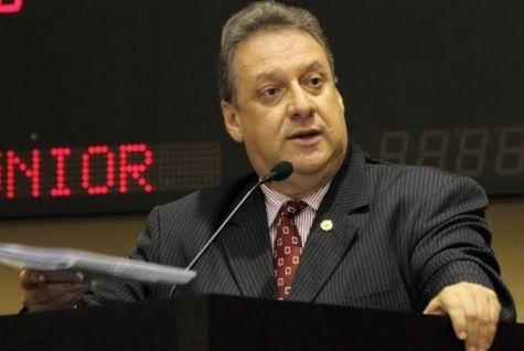 Romoaldo é condenado a 2 anos de prisão e perda do mandato