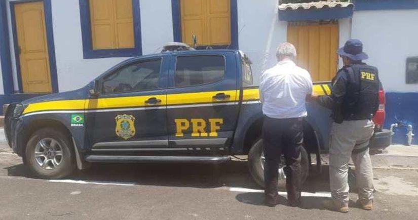 PRF prende idoso com mandado de prisão em aberto na BR 364