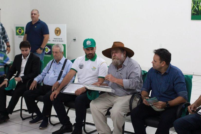 Em Primavera do Leste, Eduardo Bolsonaro pede que produtores não abandonem governo do pai