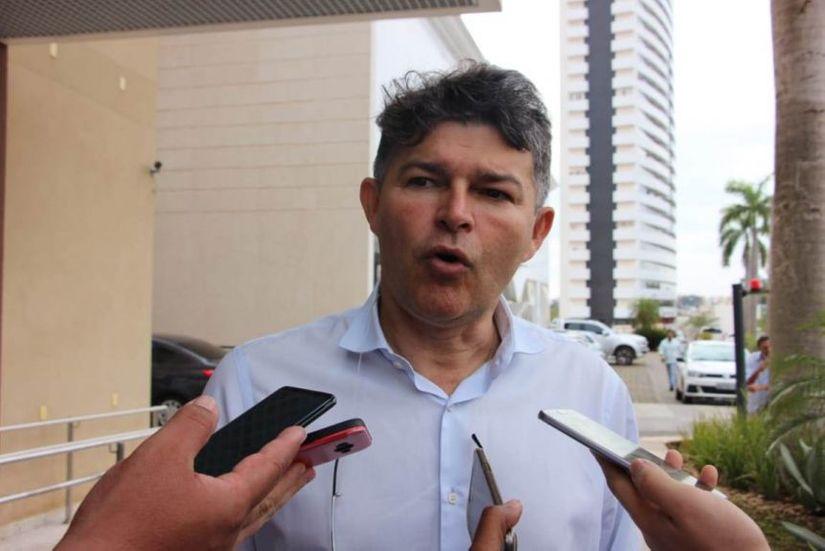 Defensor de Bolsonaro, Medeiros diz que atos pela Educação são factoides da esquerda