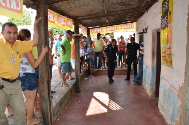 O comerciante foi encontrado dentro do bar em que era proprietário - Fotos:  Macsuel Oliveira