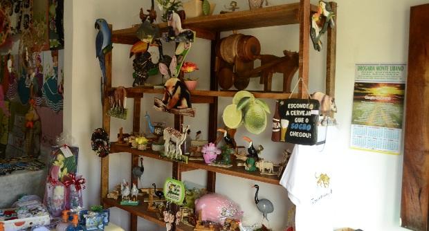 Aparador De Pelo Walmart ~ Artes u00e3 que vende produtos no Casario afirma que local