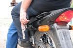 Dupla rouba moto na Cophalis na noite dessa quarta (27)