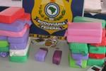 Jovem é preso pela PRF transportando 10 quilos de pasta base de cocaína em Alto Garças