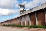 Túnel é descoberto na Penitenciária Central do Estado