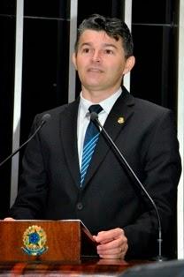 Senador José Medeiros quer revogar a decisão que incluiu a Venezuela ao bloco do Mercosul. FOTO: Internet