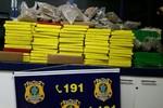 Casal é preso pela PRF com quase 300 kg de maconha e Skank