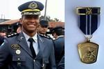 Comandante da Força Tática de Rondonópolis recebe medalha 'Mérito de Operações Especiais'