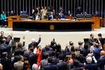 Plenário pode votar proposta de reforma política nesta terça-feira