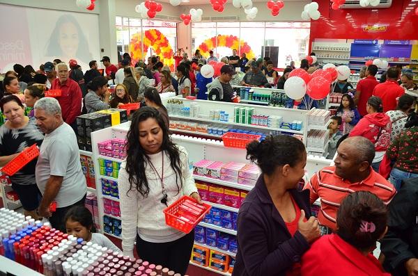 Rondonopolitanos foram conferir ofertas da nova loja, no Conjunto São José