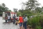 Casal de idosos fica ferido em colisão entre caminhoneta e carreta