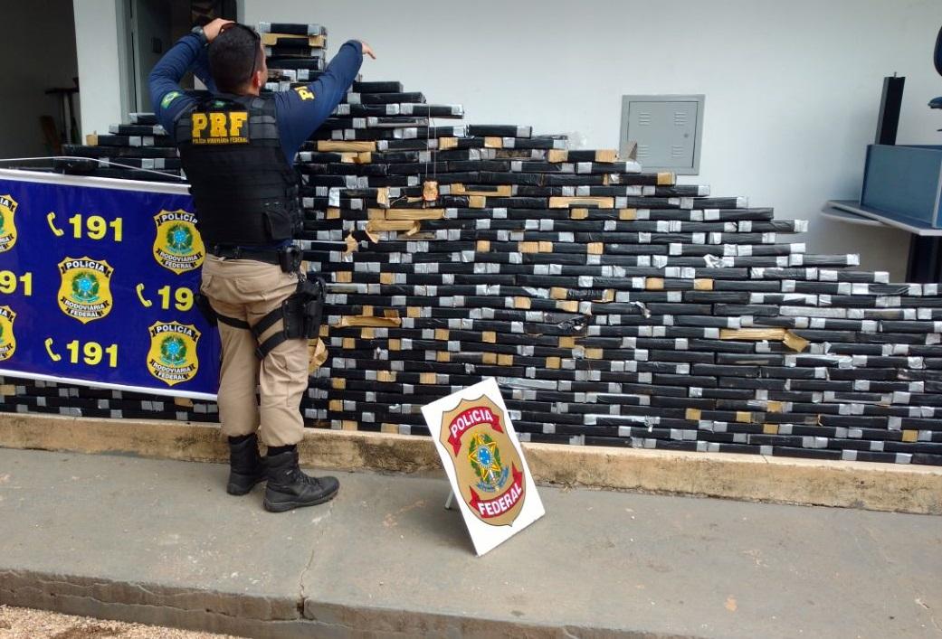 Droga apreendida no caminhão do suspeito. Foto: divulgação PRF/MT.