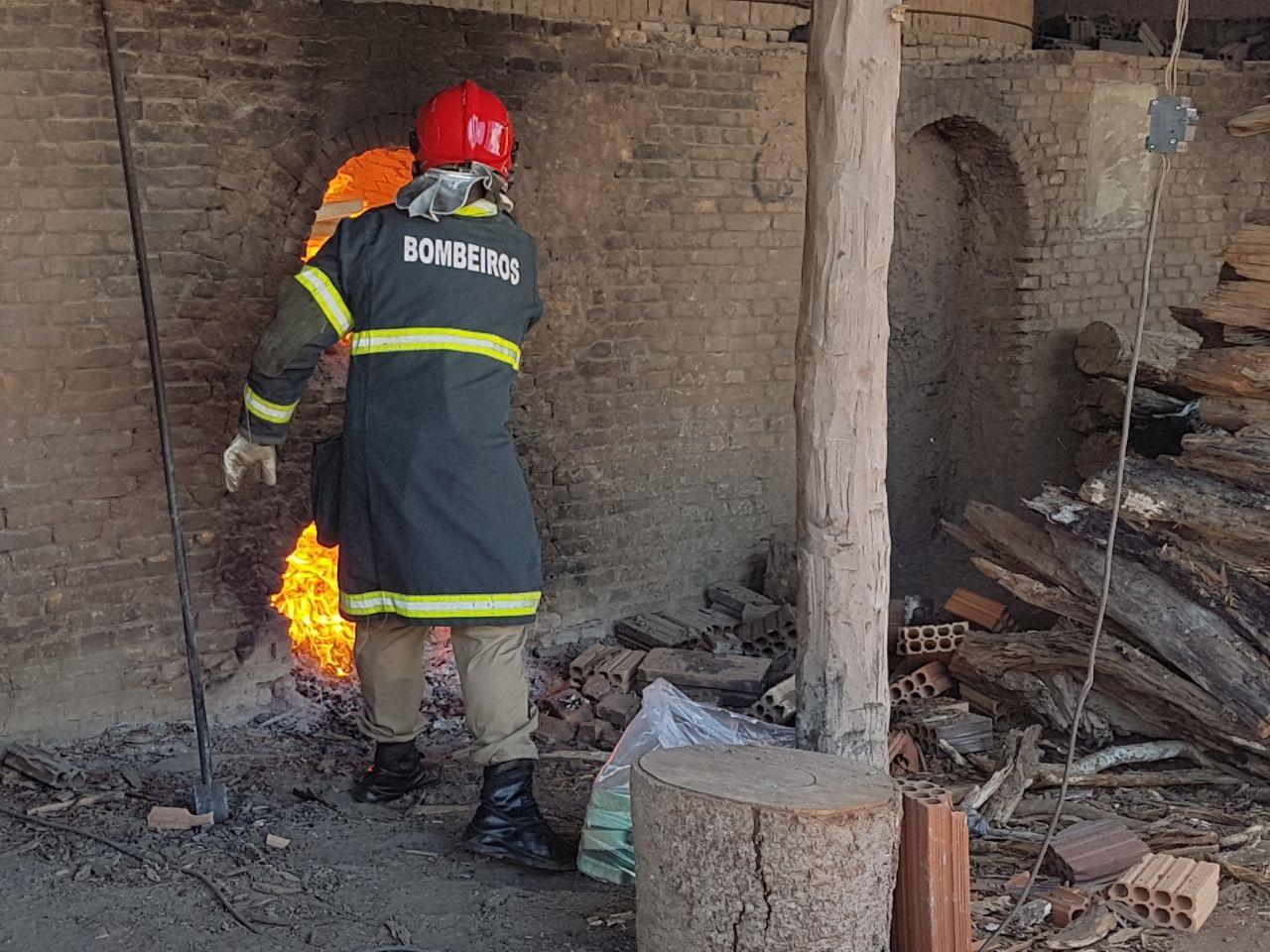 Bombeiros ajudaram nos trabalhos. (Foto: divulgação PJC/MT)