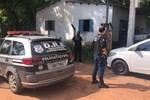 PJC cumpre buscas domiciliares e prende dois traficantes em flagrante