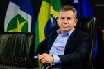 Mauro Mendes sufoca servidores públicos na reta final do ano