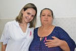 HR realiza ações de conscientização e prevenção do câncer de mama com pacientes e funcionários
