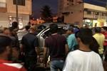 Motoqueiros abordam caminhonete executam homem e deixam irmão ferido