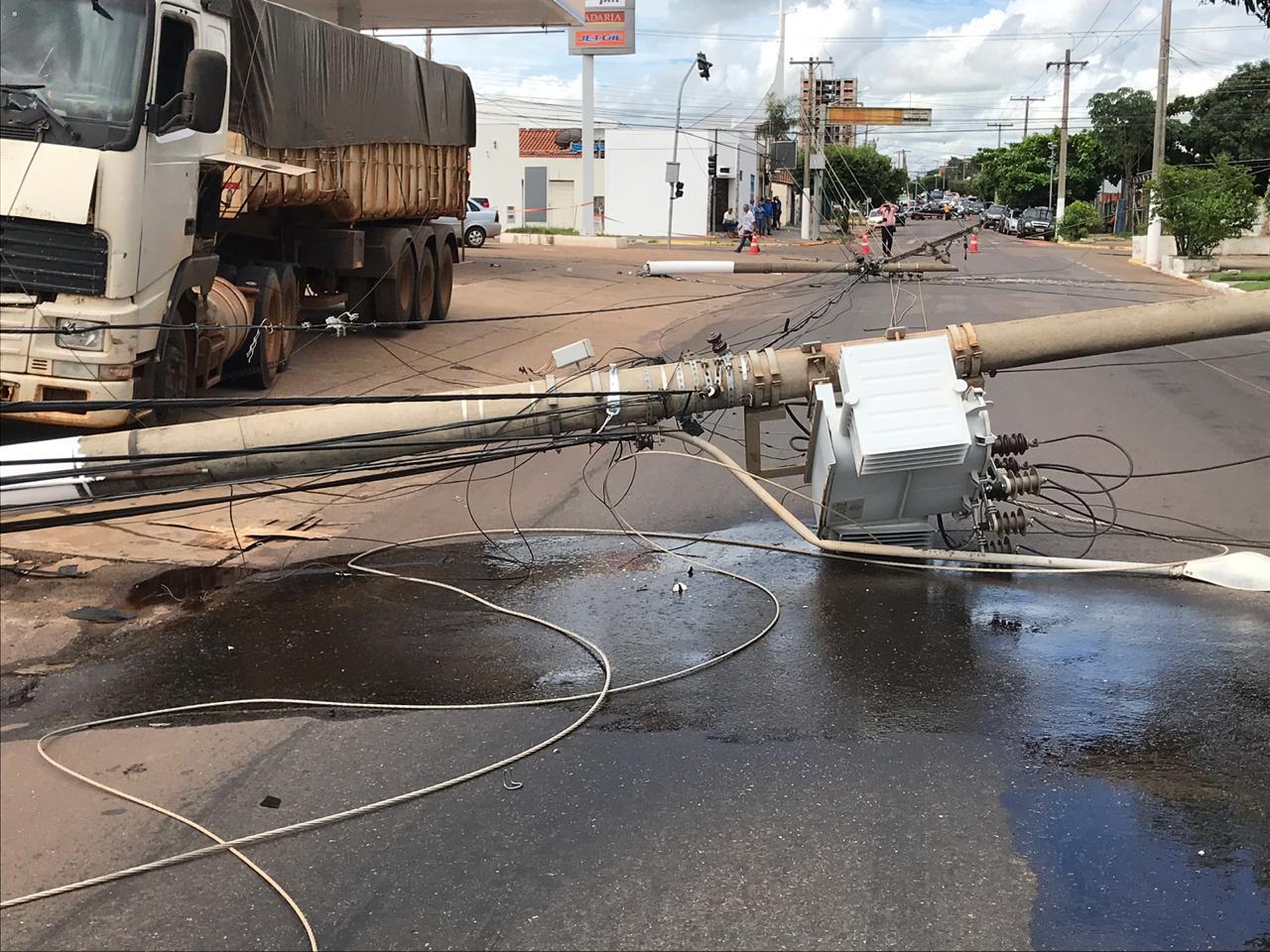 O acidente teria acontecido por causa de um descuido do condutor. (Foto: Sirlei Alves/GazetaMT)