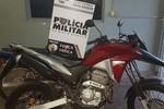 Força Tática recupera motocicleta roubada e apreende arma usada no crime