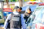 Tentativa de roubo a um PM termina em troca de tiros e suspeitos presos em Cuiabá