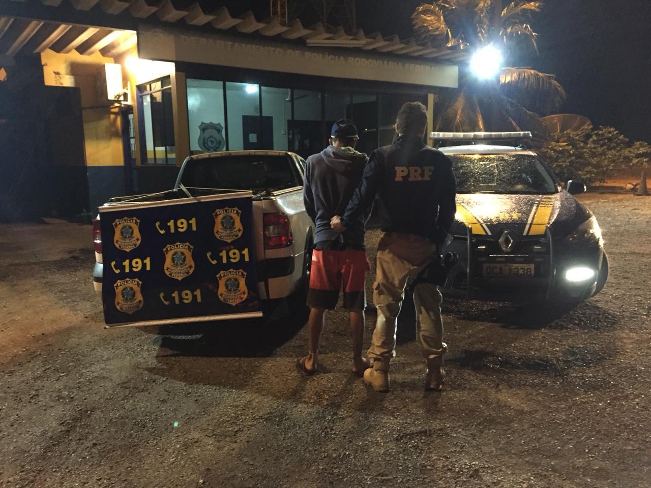 O veículo foi roubado no dia 11 de abril de 2014, em São José dos Campos (SP). (Foto: divulgação PRF/MT)