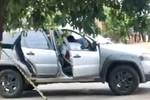 Homicídio   Vítima é abordada dentro de veículo e assassinada a luz do dia