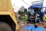 Acidente envolvendo dois veículos de carga deixa vítimas presa ás ferragens na BR-163